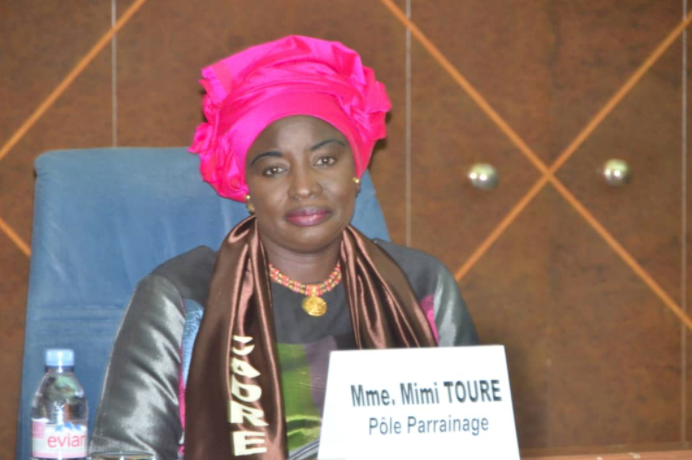 Page Facebook de Mimi Touré : «Karim Wade doit se résoudre à adjuster son égo à celui du repris de justice qu'il est, sans influence aucune sur nos partenaires au Développement et les investisseurs.»
