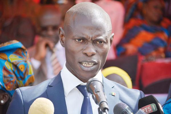 INSOLITE / Pikine : Quand le ministre de la jeunesse se distingue par ses fautes de français