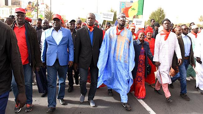 """L'opposition marche pour une """"élection transparente"""" cet après-midi"""
