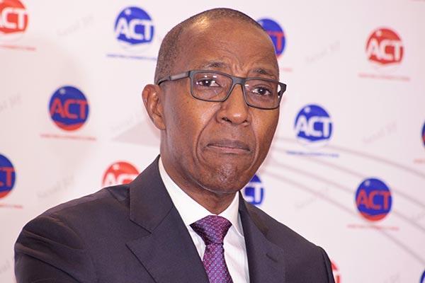 Coup de théâtre : 28% des parrainages de Abdoul Mbaye invalidés, l'ancien Pm rue dans les brancards