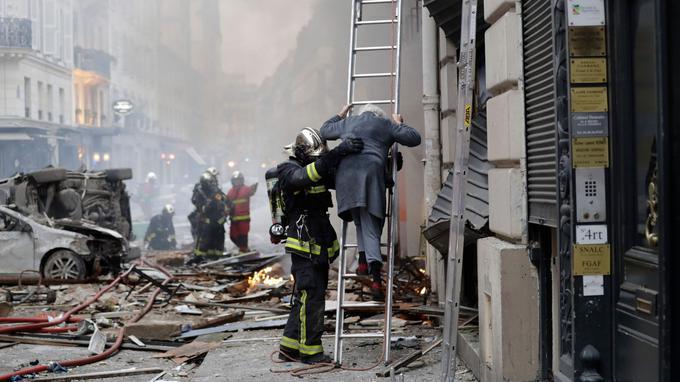 Explosion au gaz à Paris : Trois personnes tuées, dont deux pompiers