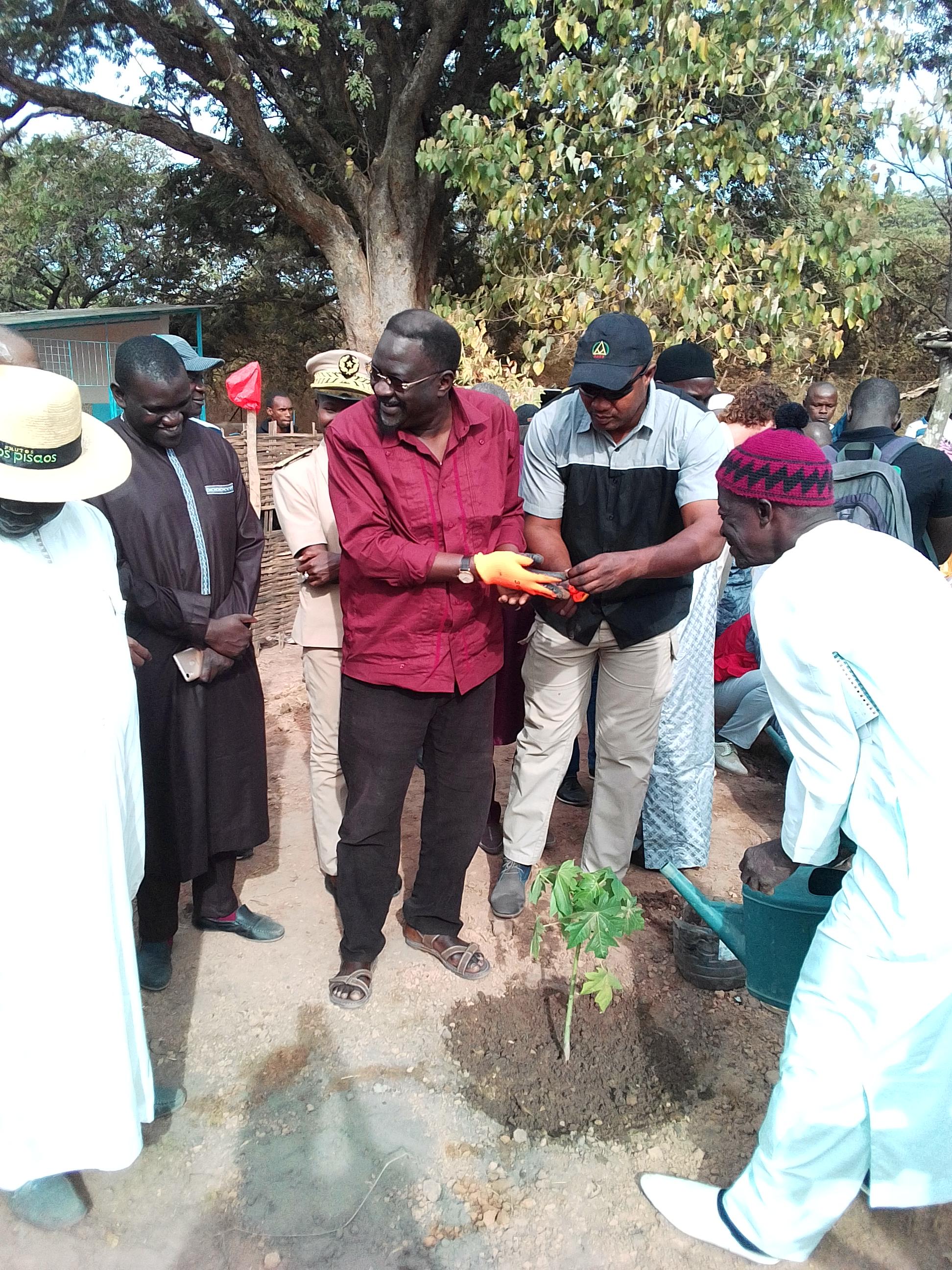 En visite inaugurale à Kolda, le ministre de l'agriculture et de l'équipement rural, Pape Abdoulaye Seck, déclare :   « L'Anida est une opportunité pour les jeunes … »