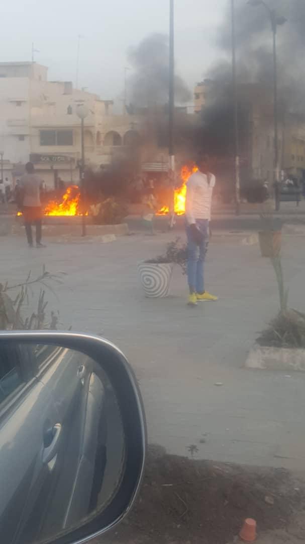Urgent : Affrontements entre les Pro Khalifa Sall et les forces de l'ordre sur le 2 voies de Sacré-Cœur