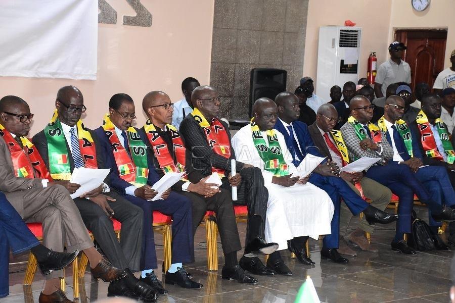 Publication des candidats : L'opposition récuse le Conseil constitutionnel dans sa composition actuelle et engage la responsabilité directe et personnelle de Pape Oumar Sakho.