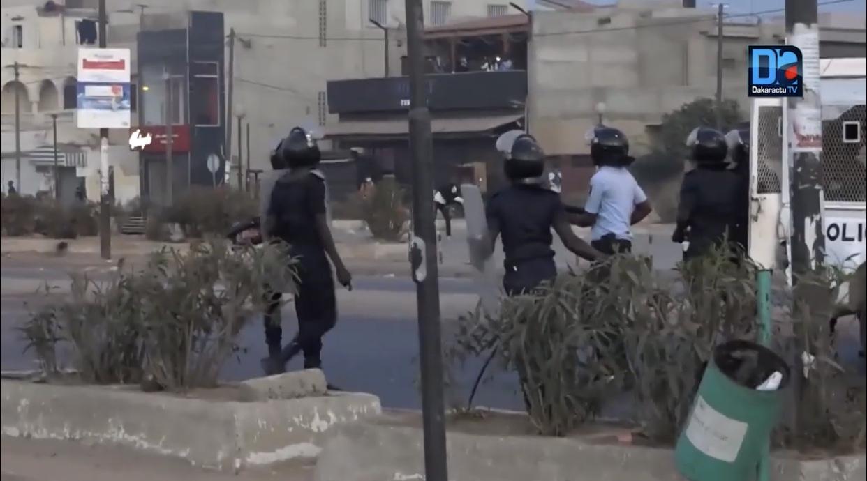 Urgent / Les affrontements reprennent à Sacré-Cœur : Des pneus brûlés par des pro-Khalifa