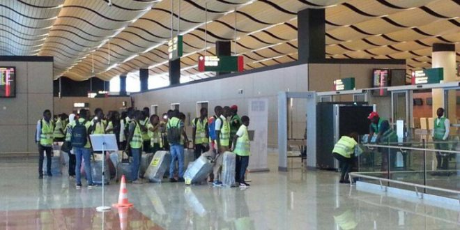 Fugitif en Inde : Le bourreau des stars de Bollywood tombe à Dakar