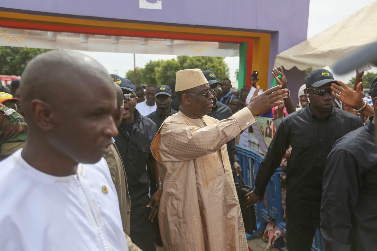 Inauguration de l'autoroute AIBD-Mbour-Thiès : Macky Sall coupe le ruban