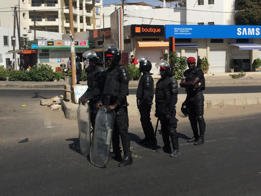 Marche de l'opposition : Les principales artères quadrillées (Photos)