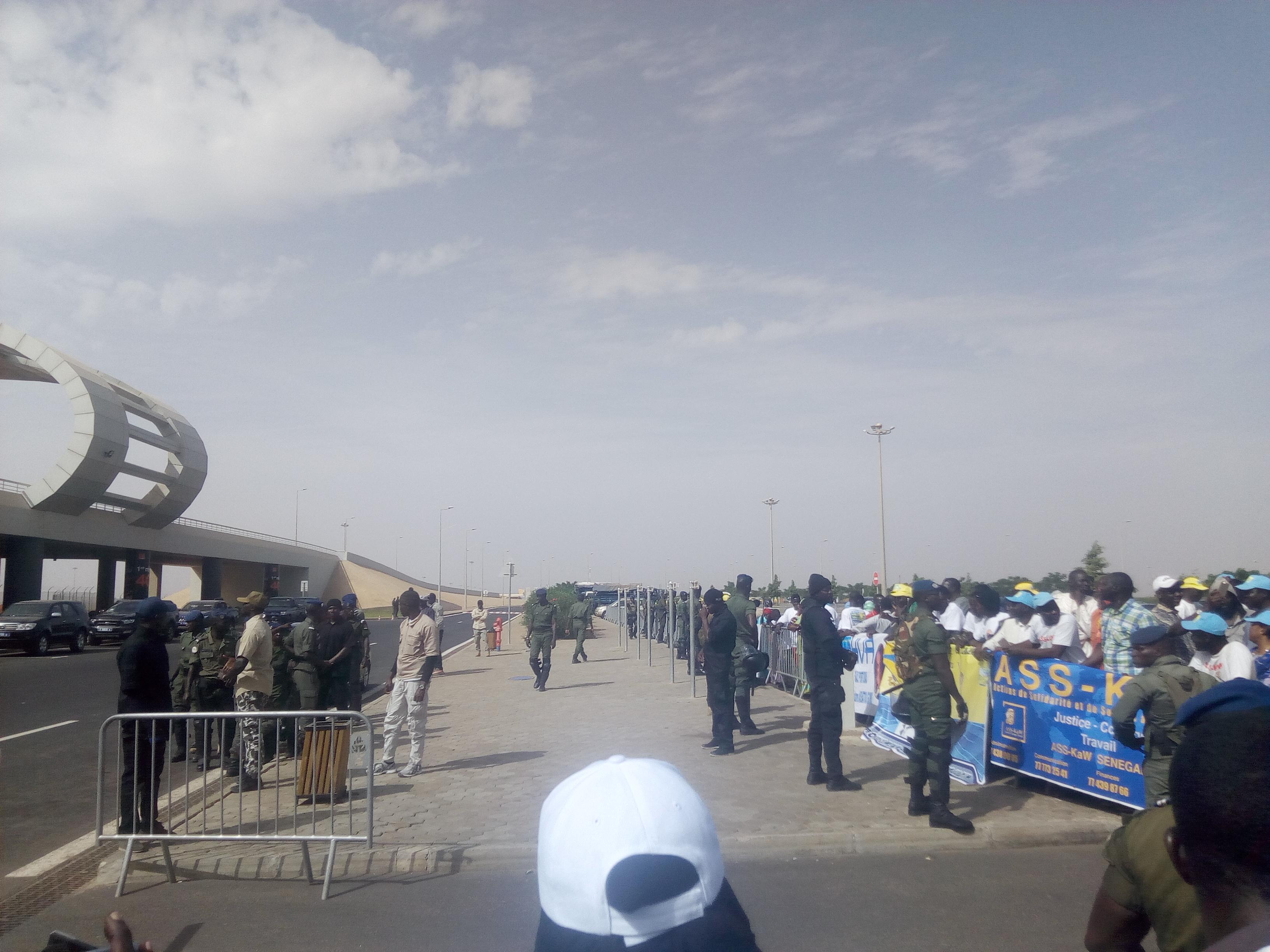 AIBD : de l'électricité dans l'air/ Les militants libéraux face à des gendarmes armés jusqu'aux dents