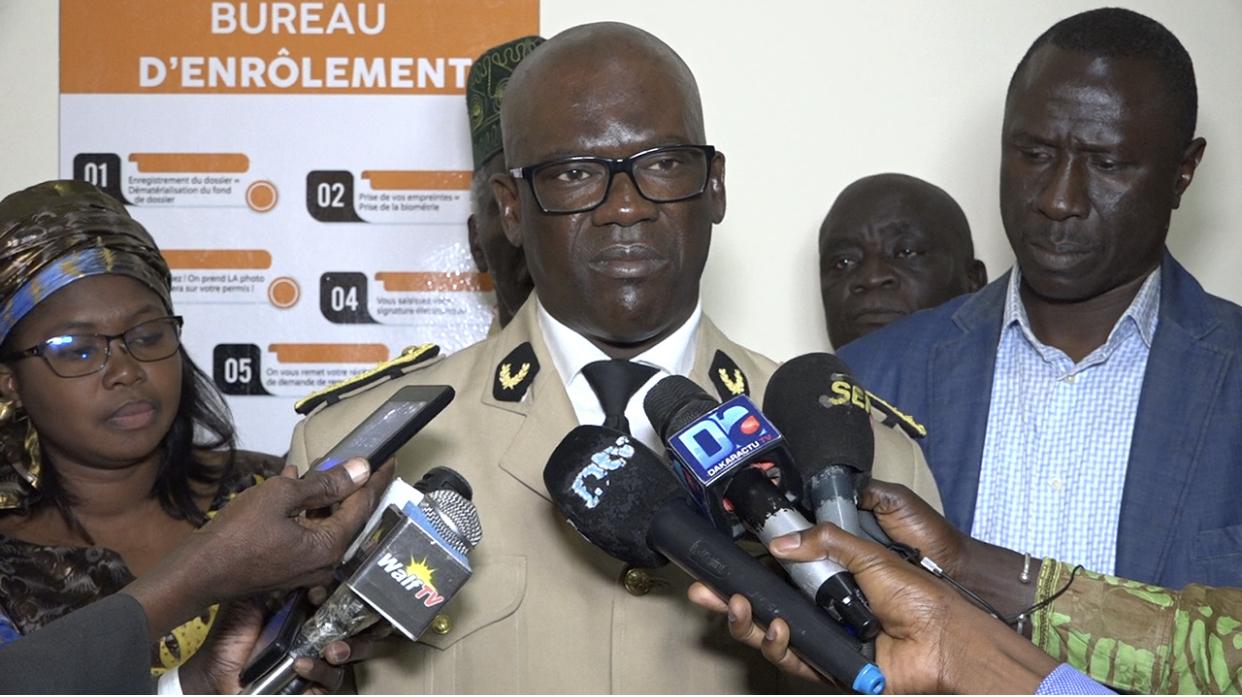 Service des transports routiers de Saint-Louis : Le gouverneur Alioune Aïdara Niang lance officiellement le renouvellement des permis de conduire