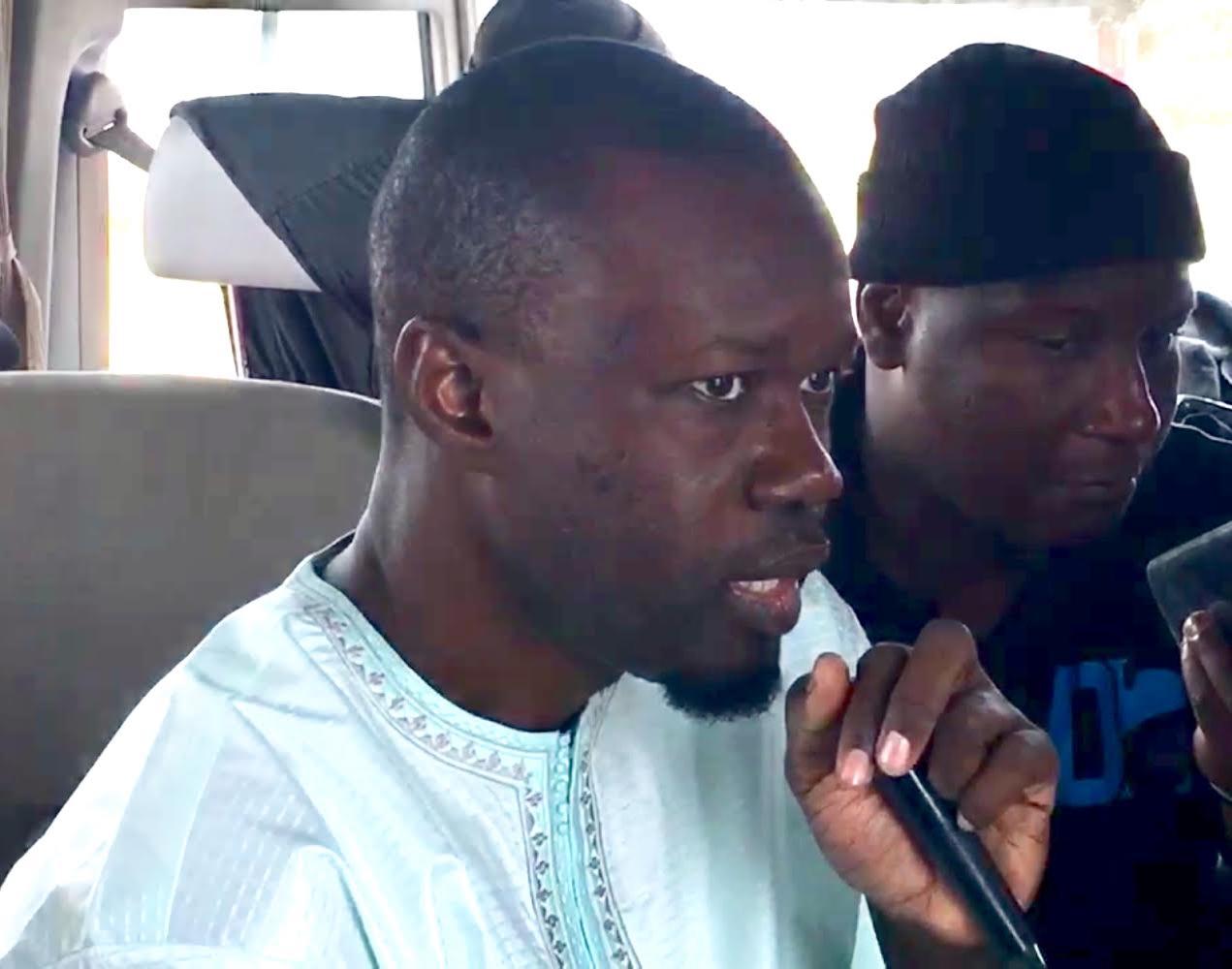 Ousmane Sonko prend une pause dans sa campagne électorale et rend visite à Abdoulaye Wade