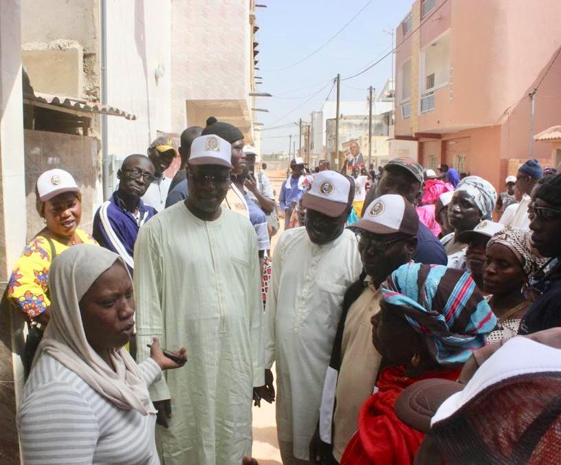 Présidentielle 2019 / BBY Mbao : Abdou Karim Sall dans les quartiers de la Zac de Mbao pour la réélection du Président Macky SALL (Images)