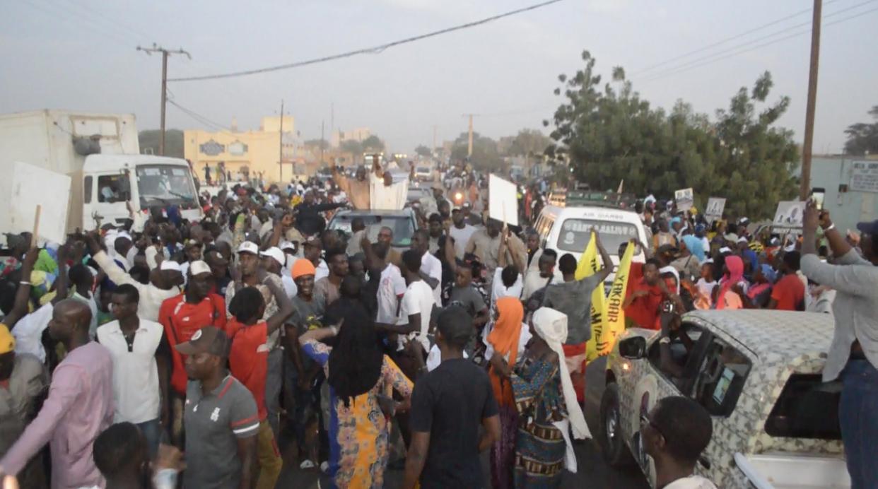 Campagne électorale à Ndioum : Abdoulaye Daouda Diallo et Cheikh Oumar Hanne fument le calumet de la paix et unissent leurs efforts pour la réélection de Macky Sall dans le Fouta