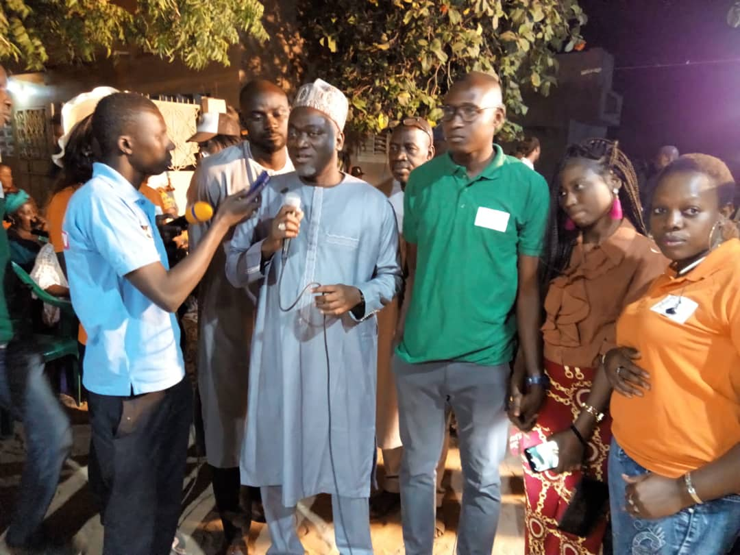 """Kaolack / Présidentielle 2019 : Pape Demba Bitèye fait rallier des responsables du PDS de Lyndiane Jardin et les jeunes """" CRACS"""" de Tabangoye."""