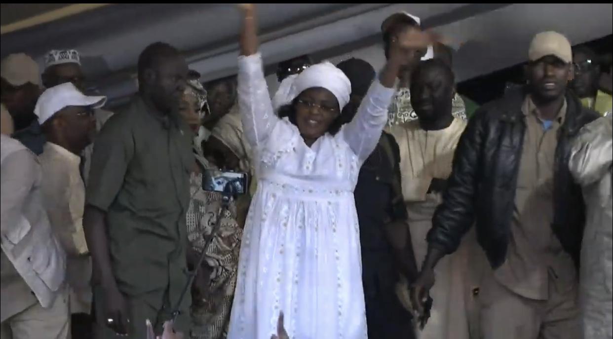 Présidentielle 2019 / Médina : Marième Faye Sall bat campagne aux côtés de Cheikh Bâ pour une large victoire à la Médina