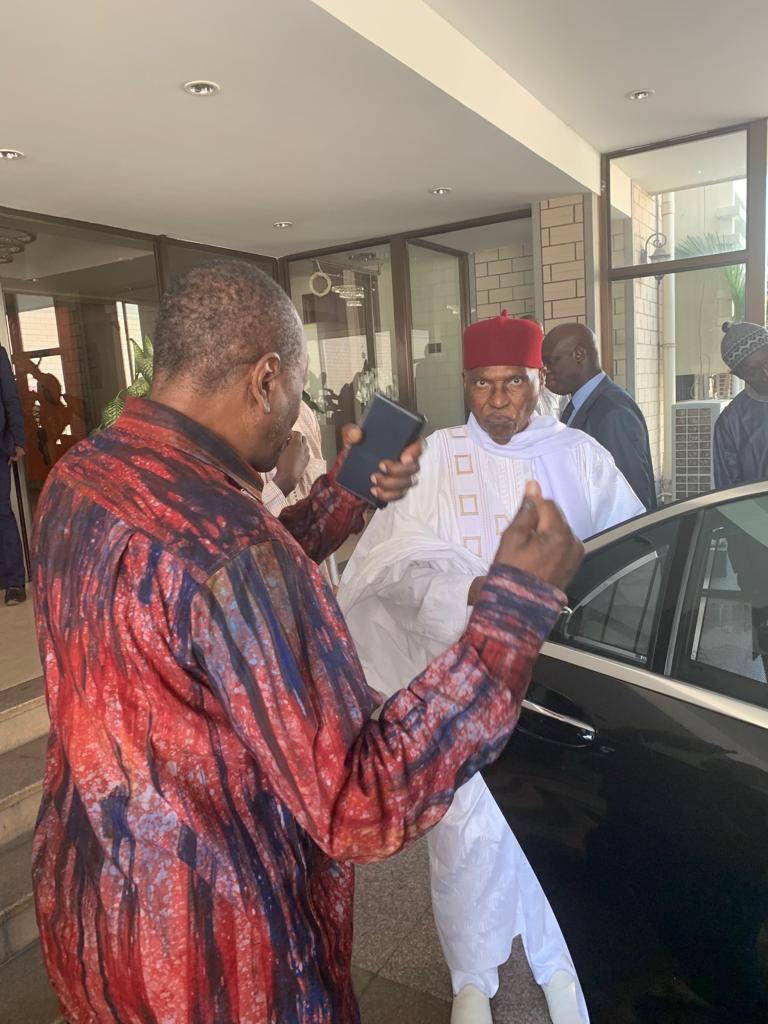 Séjour à Conakry : Me Wade en complicité avec Alpha Condé au palais