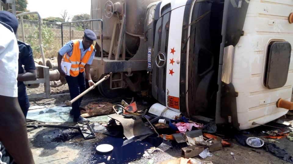 Grave collision entre un train et une voiture au passage à niveau de la route de l'école Polytechnique