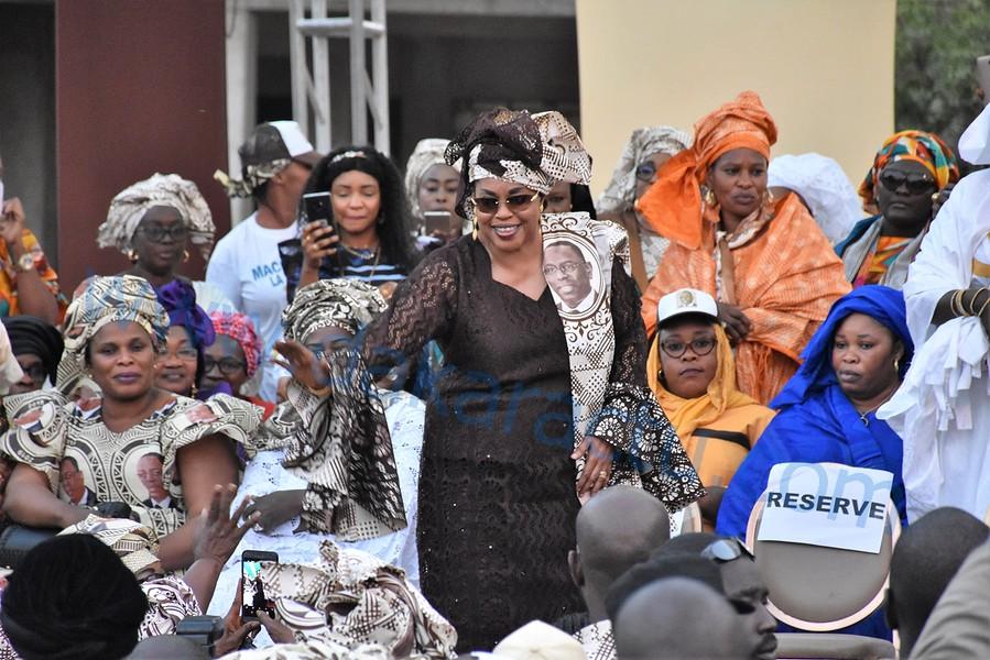 Méga Meeting / Mme Ndèye Saly Diop Dieng mobilise Grand-Dakar derrière le président Macky Sall (Les images)