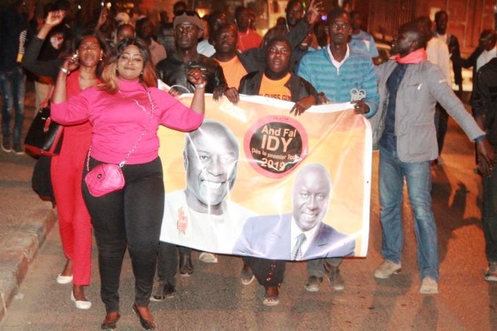 Rufisque : Des militants de Rewmi manifestent pour un 2ème tour