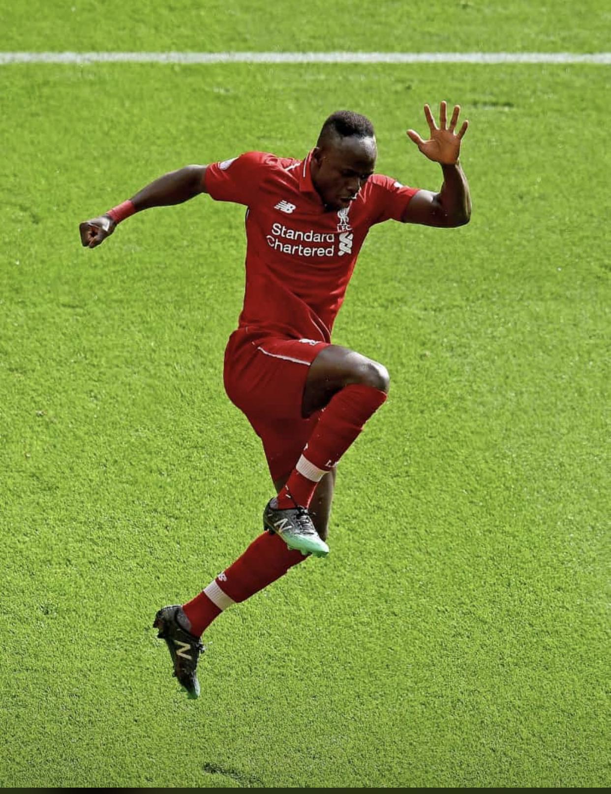 Liverpool renverse Burnley grâce à un doublé de Sadio Mané et Firmino