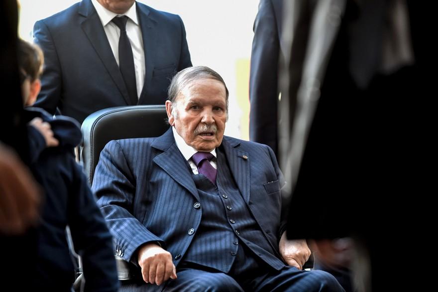 Algérie : Abdelaziz Bouteflika renonce a briguer un cinquième mandat