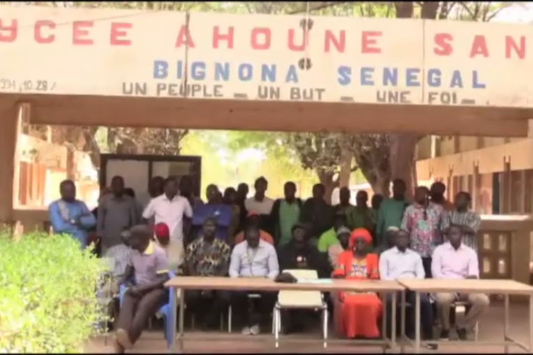 Proviseur, censeur et surveillant du lycée Ahoune Sané relevés / Les enseignants de Bignona se radicalisent.