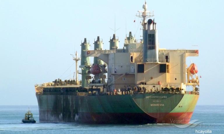 """(Enquête) Riz """"impropre à la consommation"""" à destination du Sénégal : Sous douane au port d'Abidjan, la cargaison en question risque la destruction"""