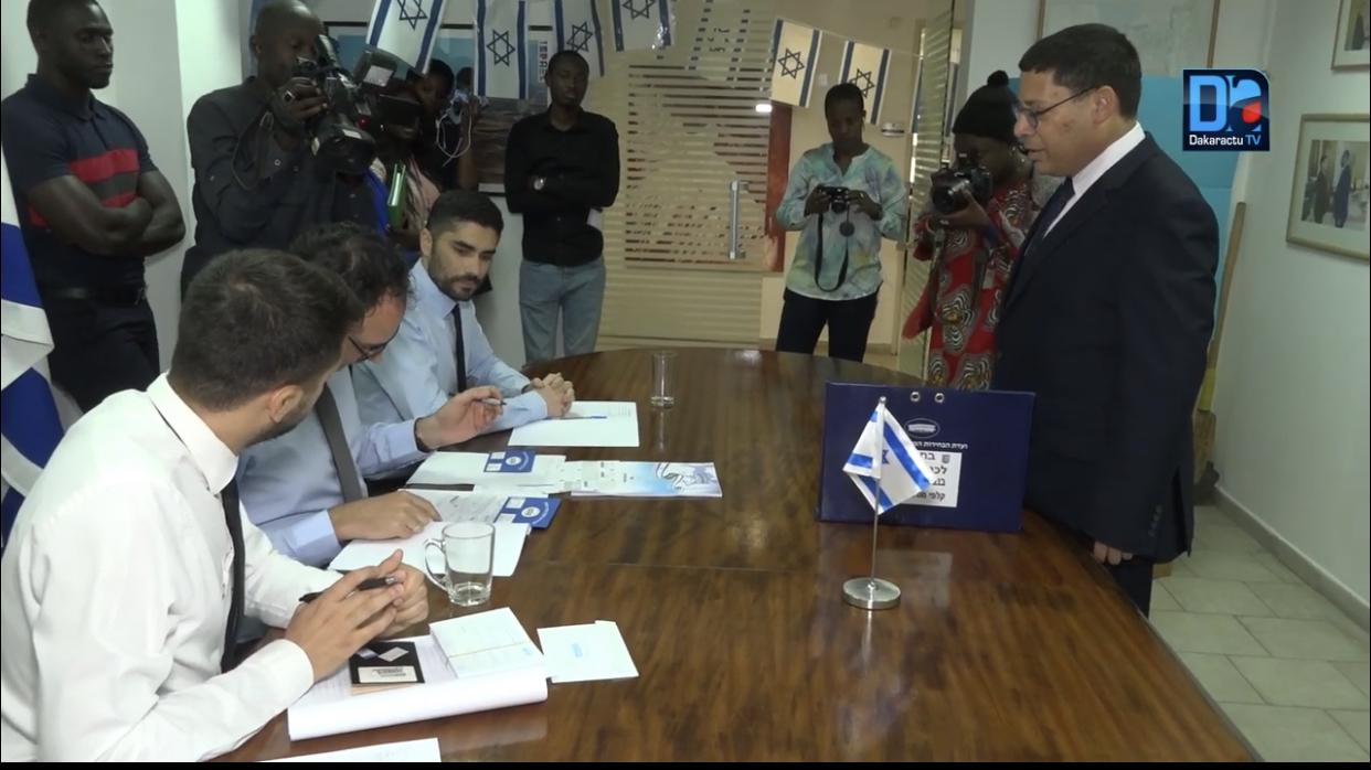 Élections législatives israéliennes : L'ambassadeur Roï Rosenblit a sacrifié au vote à la chancellerie sise à Dakar