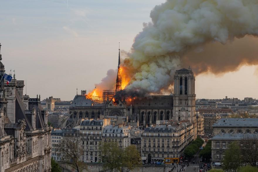 Notre Dame en flammes: Au delà de nos larmes, rendre à chaque peuple sa mémoire !