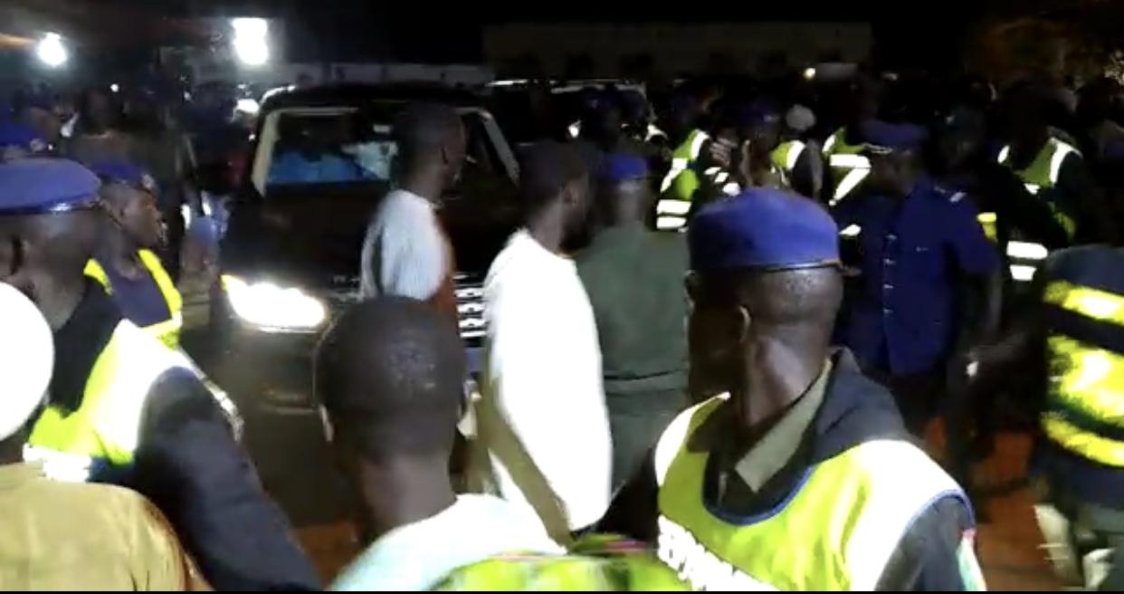 Mbour : De retour de Touba, Serigne Saliou Thioune et Khadim Thioune sauvés par les forces de l'ordre