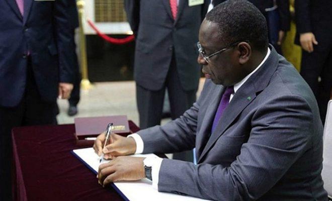 Le président Macky Sall a promulgué la loi sur la suppression du poste de PM et a renouvelé sa confiance au gouvernement