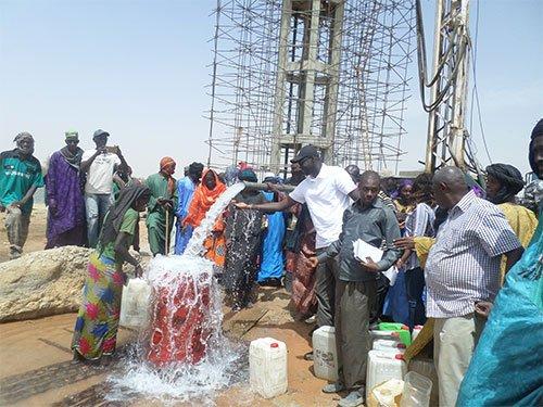 Alimentation en eau : Un hydrogéologue-géophysicien sonne l'alerte sur les dangers de ces batteries de forages à Dakar