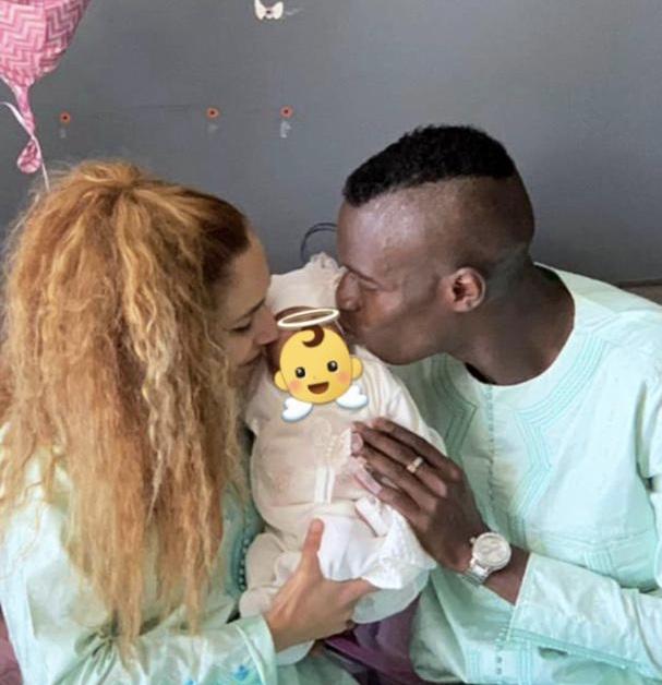 Carnet Rose : L'international Sénégalais Pape Abdou Cissé et sa femme ont célébré le baptême de leur enfant.