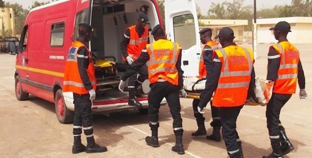 """Bignona : Deux morts et quatre blessés dans une collision entre un """"Ndiaga-Ndiaye"""" et un camion"""