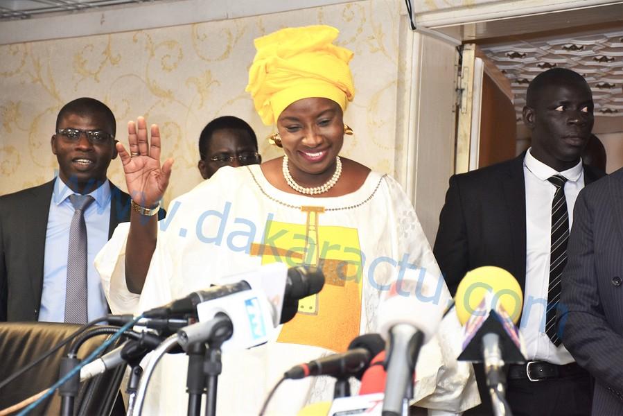 CESE: Les images de la cérémonie d'installation de Mme Aminata Touré, présidente du conseil économique, social et environnemental.