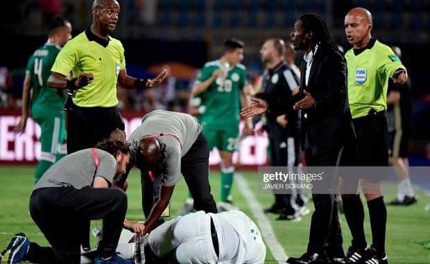 Sénégal-Algérie (0-1) : L'arbitrage du Zambien Janny Sikazwe largement remis en cause