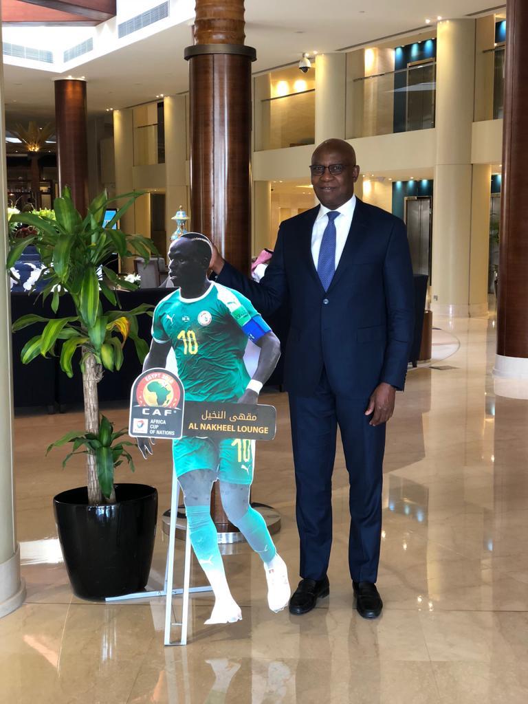 Riyad : La maquette de Sadio Mané exposée à l'entrée d'un hôtel éblouit Serigne Mbaye Thiam.