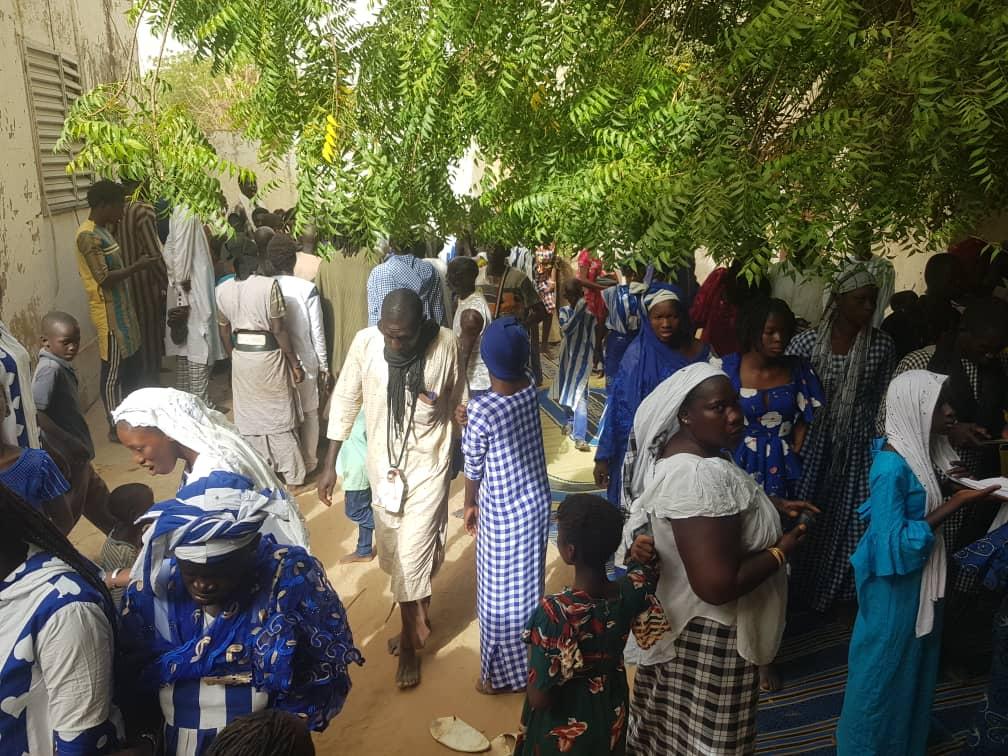 (IMAGES) TOUBA - Visite de courtoisie / Cheikh Bass Abdou Khadre chez Serigne Cheikh  Fall Mbaor