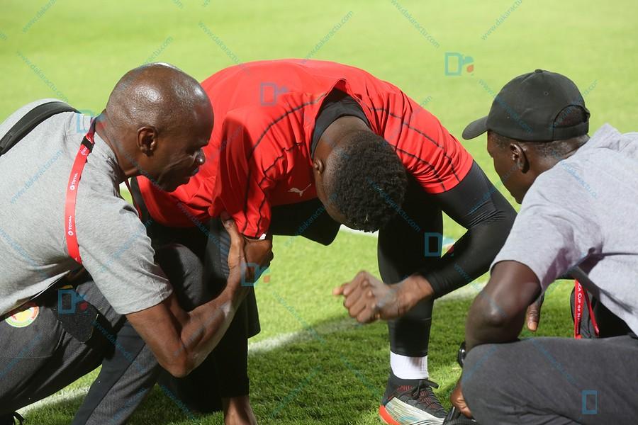 Dernière minute : Le gardien Edouard Mendy s'est blessé à l'échauffement d'avant Sénégal-Kenya et remplacé par Alfred Gomis.