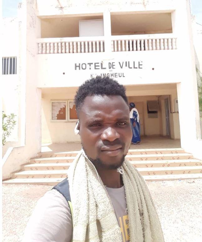 Marcher de Tamba à Dakar pour rencontrer Macky : Après 8 jours de marche, Abdoulaye Kouyaté est arrivé à Kaffrine.