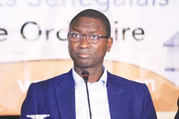 Ismaïla Madior Fall assume son métier de «tailleur de la Constitution», mais revendique un statut de «TAILLEUR DE HAUTE COUTURE»