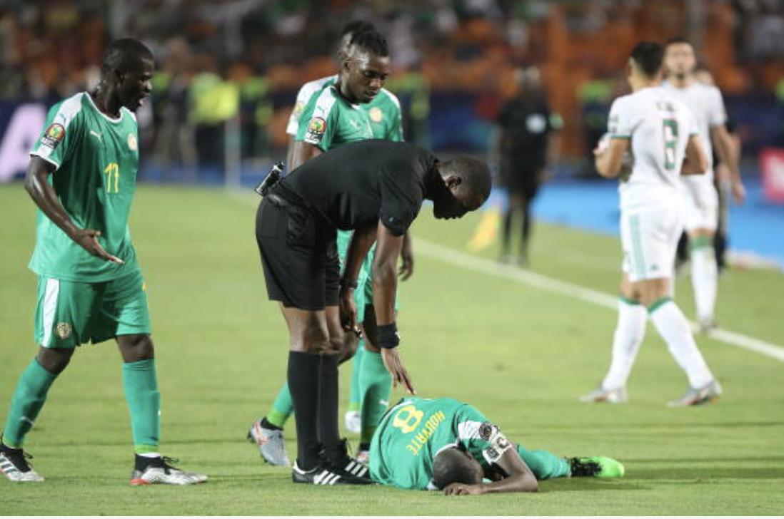 Finale CAN 2019 : Penalty non sifflé contre l'Algérie, l'arbitre donne sa version des faits.