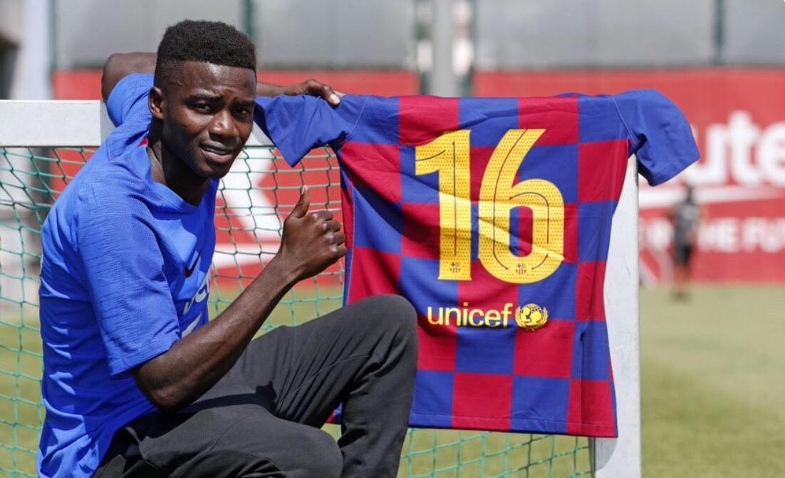 FC Barcelone : Moussa Wagué promu dans l'équipe première