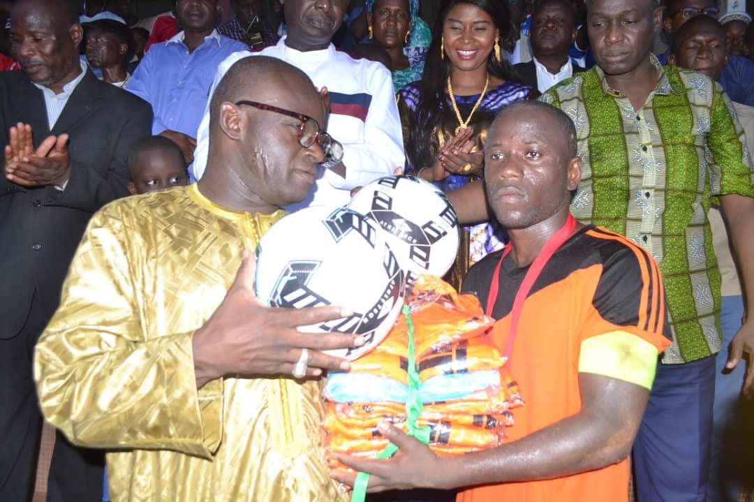 Kédougou / Finale de la coupe du maire : Mamadou H. Cissé gâte sa jeunesse.