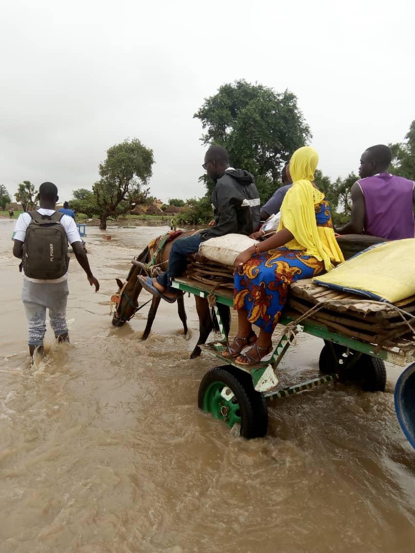 Inondations : Les populations de Kaolack et Kaffrine pataugent... Des centaines de sinistrés enregistrés... Des affrontements éclatent entre les forces de l'ordre et la population de Kanda.