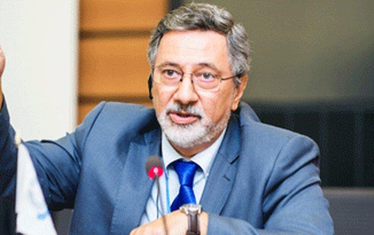 Saisie de plus de 5 tonnes de cocaïne en France et en Allemagne, en provenance d'Uruguay : le Directeur des douanes, Enrique Canon démissionne...