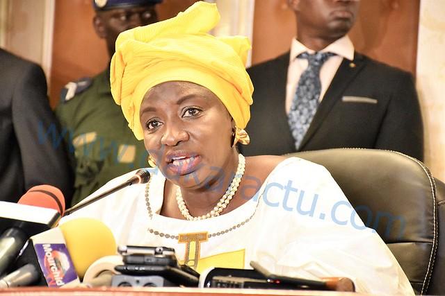 Affaire Pétro-Tim : « l'opposition a le droit de s'opposer (…) mais sur des questions qui engagent l'avenir de la Nation, il est important qu'on ait des consensus » Aminata Touré