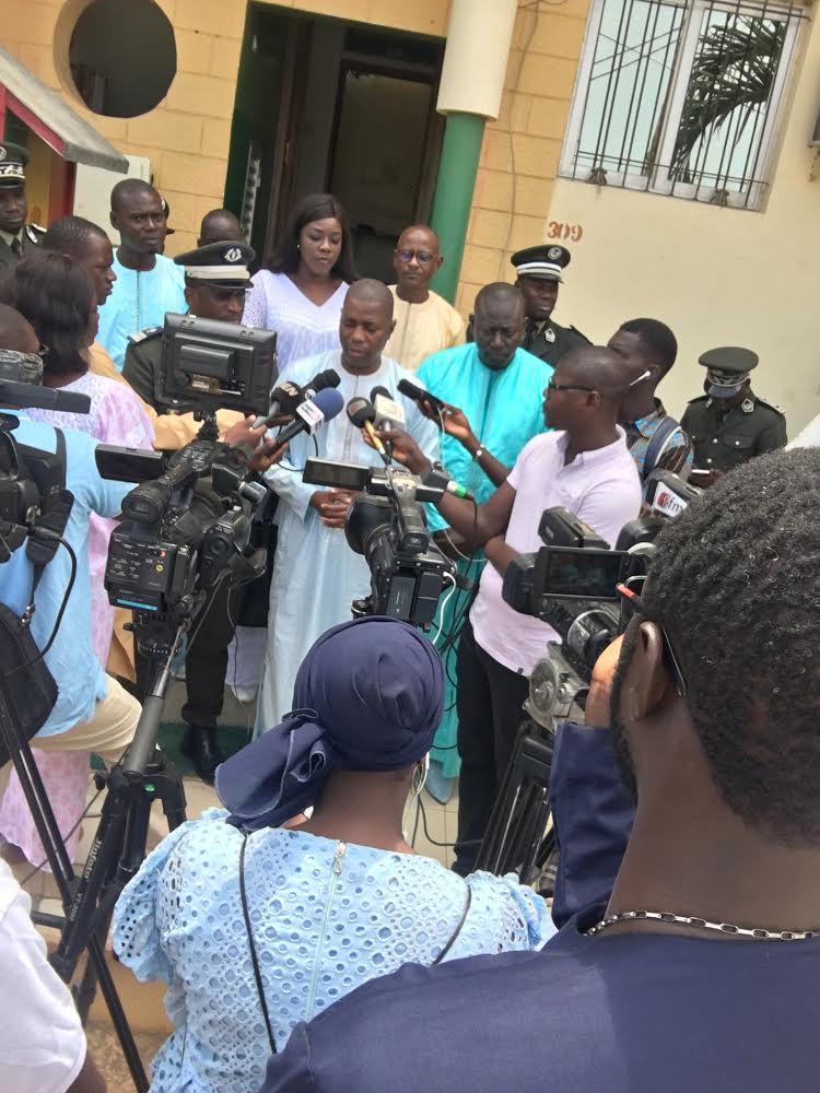 Visite de proximité : Le secrétaire d'État chargé des droits humains salue l'engagement de l'administration pénitentiaire