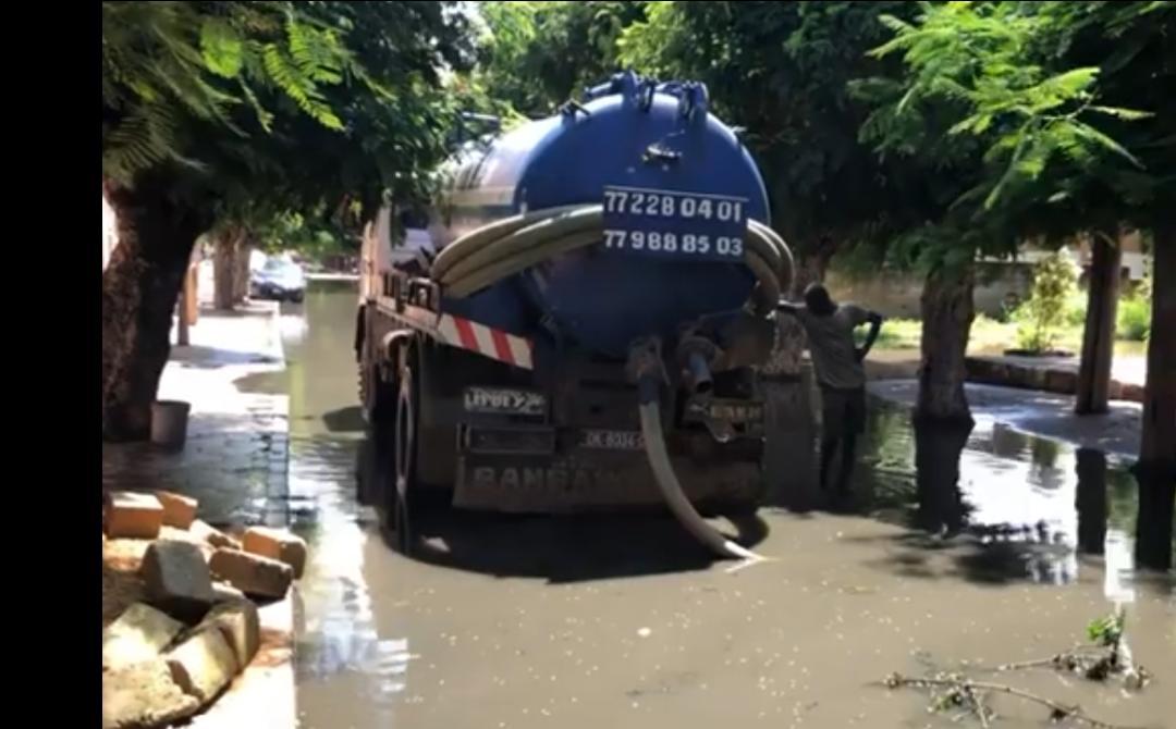 Inondation à Rufisque : Le Ministre Oumar Guèye met à la disposition du Préfet 10 camions hydrocureurs