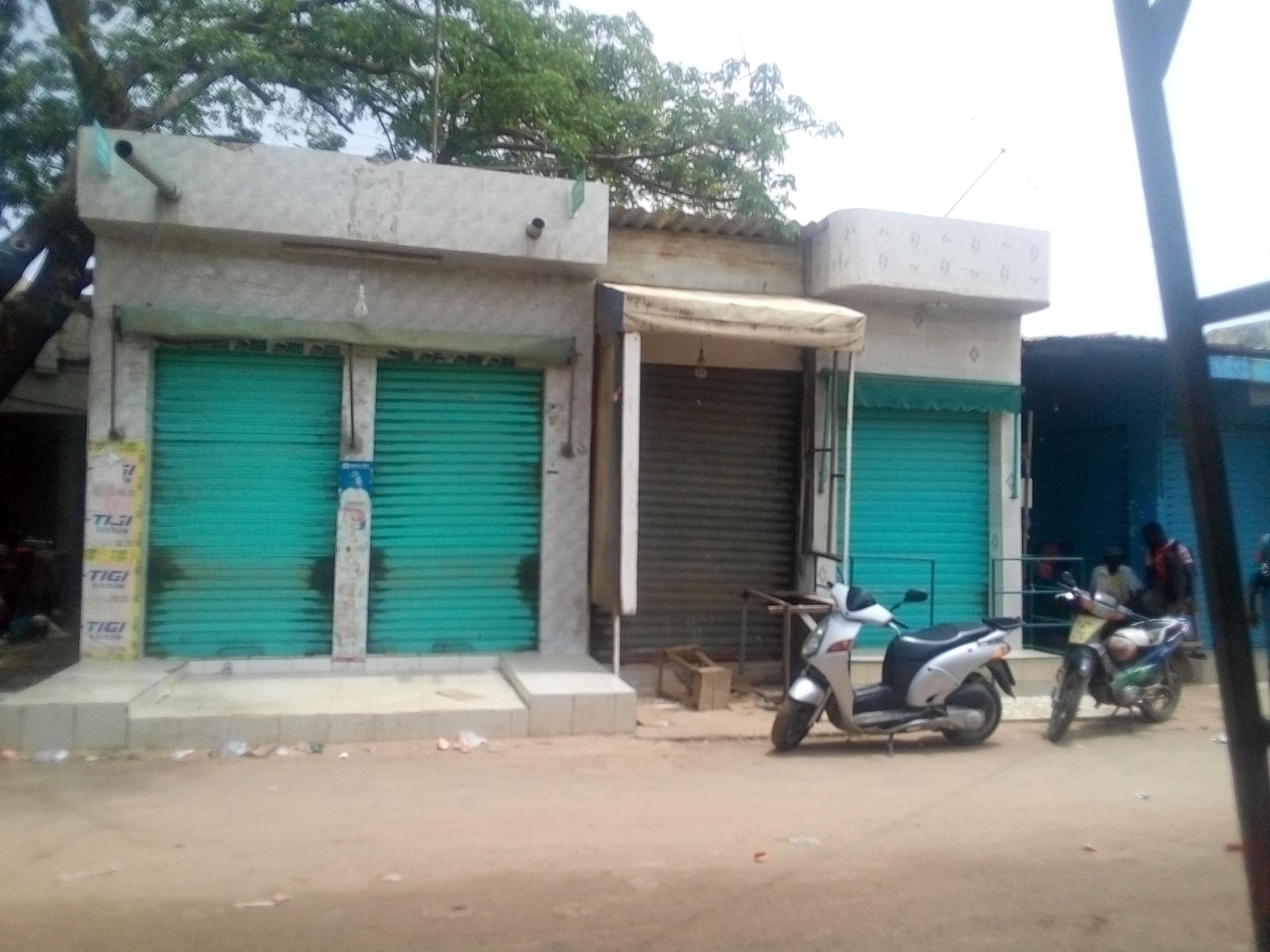 Kaolack: Les commerçants baissent leurs rideaux pour protester contre les nouvelles dispositions en matière de dédouanement
